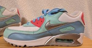 Womens Nike Air Max 90